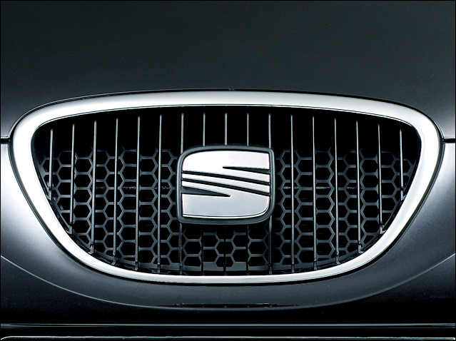 Front grille (honeycomb)