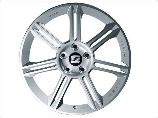 "18"" alloy wheel, Polished silver"