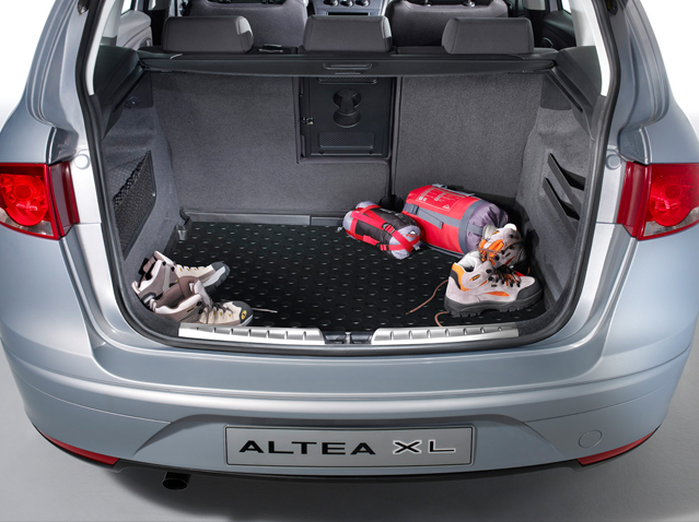 Protective boot tray - 2WD