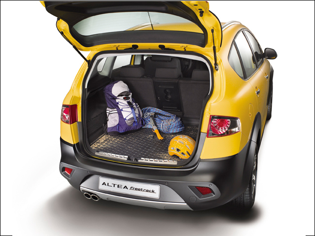 Protective boot tray - 4WD