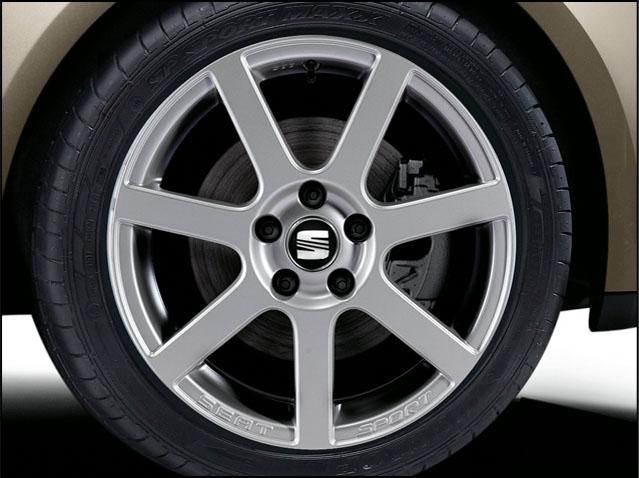 "17"" alloy wheel, clear matt titanium"