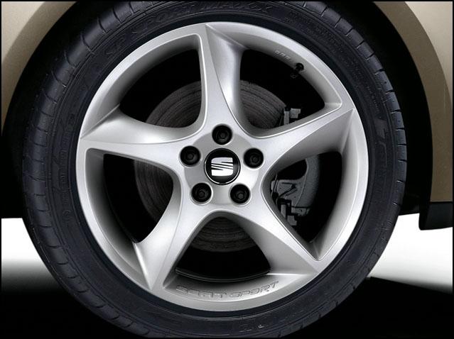 "18"" alloy wheel, clear matt titanium"