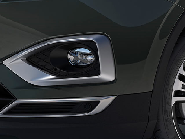 Matte silver fog light mouldings