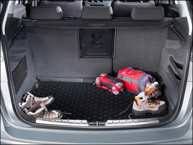 Protective boot tray