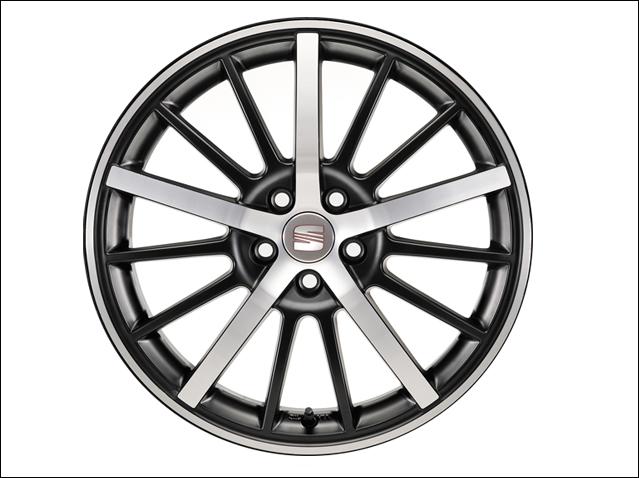 "17"" alloy wheel, matt black diamond cut"